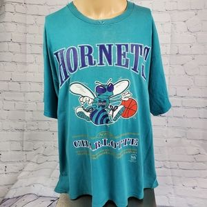 VTG 1990s NBA Charlotte Hornets Lee  T Shirt Baske